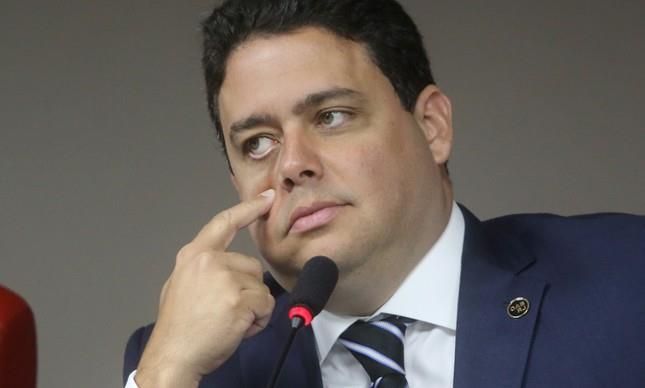 Resultado de imagem para Advogados preparam pedido de impeachment de presidente da OAB